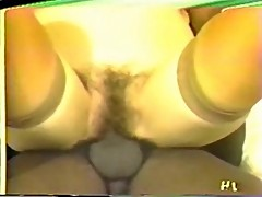 Hairy in yellow (cuckold)